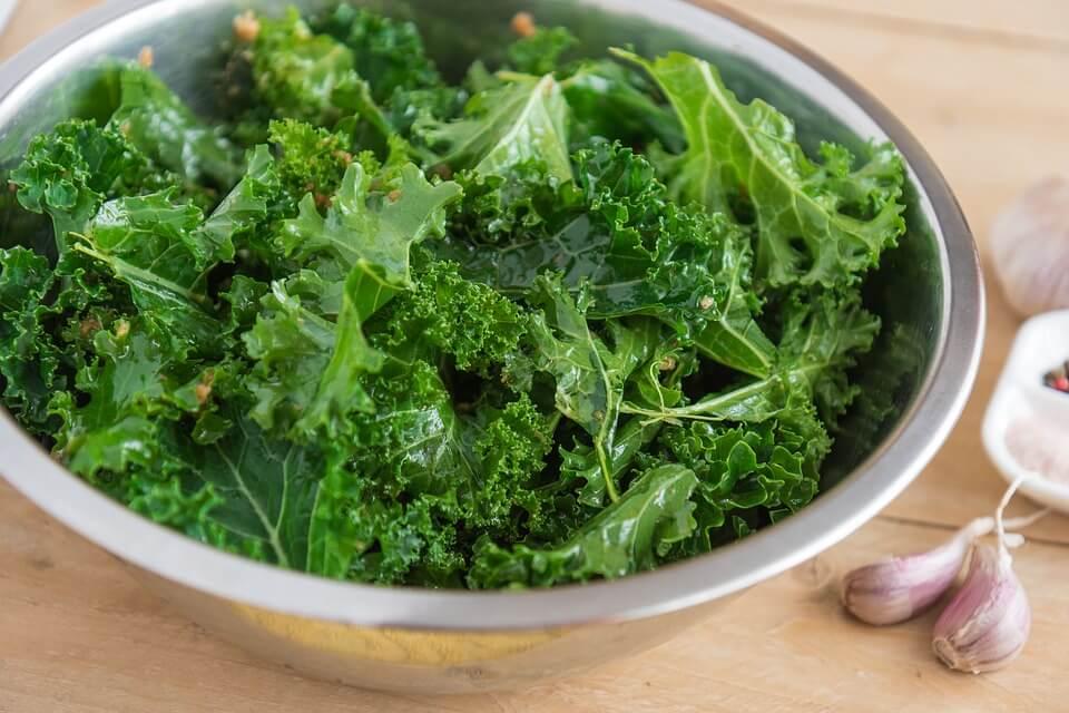 Grünes Gemüse bei Eisenmangel